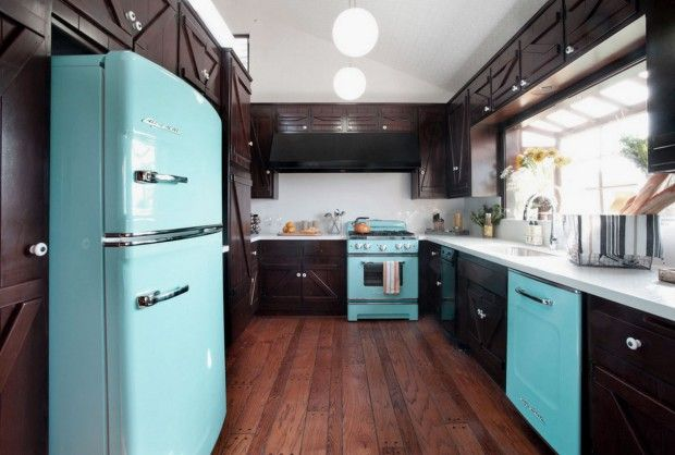 Fascinating Kitchen Design Ideas with Retro Furniture and Blue Accent