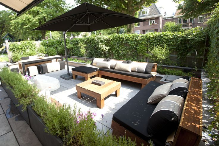 Outdoor lounge by Big Pillows, black, grey white.