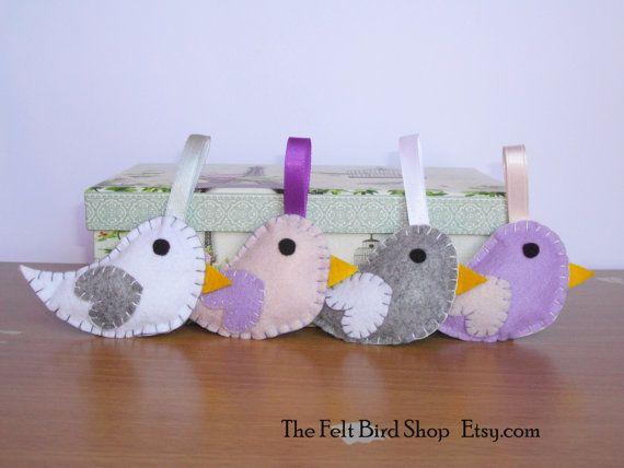 Uccellini feltro. Set di 4 uccellini decorativi di TheFeltBirdShop