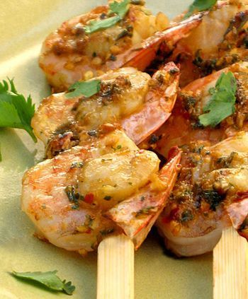 For great Thai shrimp that's also easy to make, try this delicious recipe. Medium to large shrimp/prawns are doused in a Thai garlic & ginger sauce, then either grilled or broiled. These shrimp can be skewered with satay sticks or BBQ skewers, or just cooked up as they are (the larger the shrimp, the easier to grill individually). The result is a tender and succulent shrimp dish that sings with flavor and just the perfect touch of sweetness. ENJOY!
