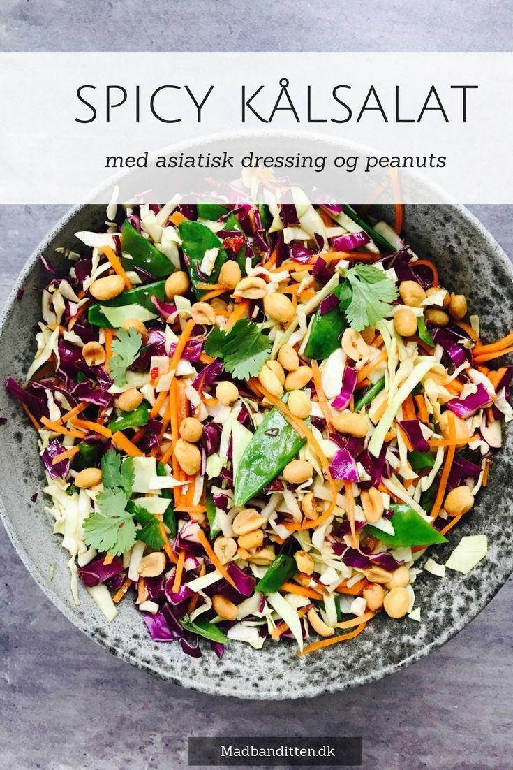 Kålsalat med asiatisk dressing og peanuts - opskrift på den lækreste asiatiske dressing, som du kan bruge til alle slags salater, der skal have et lidt eksotisk præg