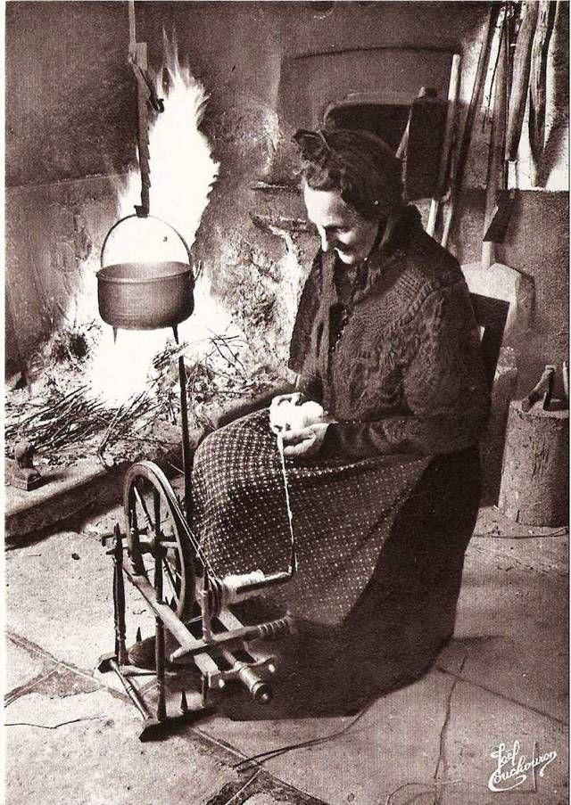 Blog de boiteaoutil : Les vieux métiers et vieux outils, La femme au rouet