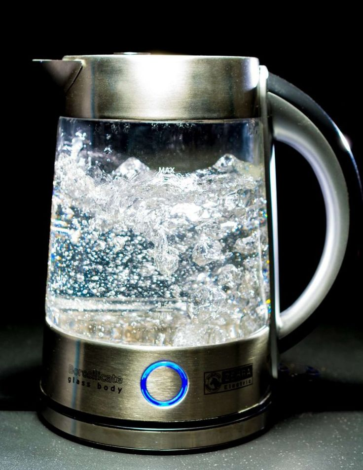 Boil water with an electric kettle.