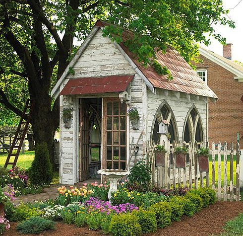 Check out these adorably deckedout girly backyard hideouts