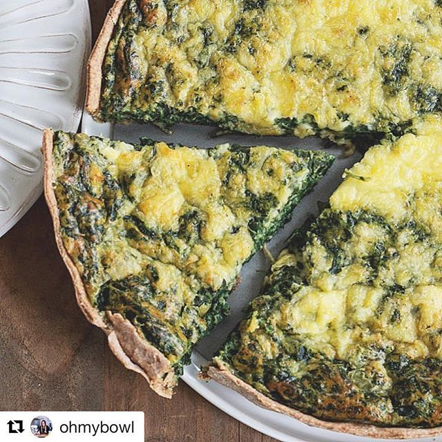 You will not believe this quiche was made entirely in a food processor (yes the dough too! This is the ideal meal. (In Spanish) Egg Recipes, Brunch Recipes, Spanakopita, Gouda, Quiche, A Food, Spinach, Food Processor Recipes, Pasta