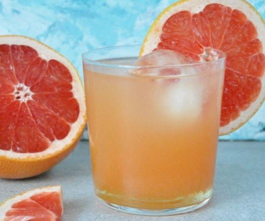 Paloma - Tequila, lime, grapefruktjuice. Exakt hur på länk i profilFredag ——- Paloma - Tequila, lime and grapefruit juice. Refreshing