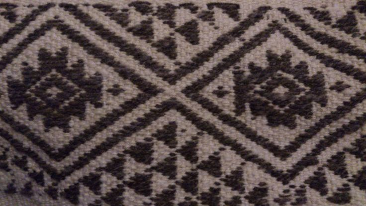 Wangülen: star with 6 points, representing the #Mapuche worldview // missionmapuche.org // #travel #missions #chile #textiles