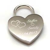 Lahjaidea: Yllätä rakkaasi lemmenlukolla. Lemmenlukko tai rakkauslukko on riippulukko, joka kiinnitetään sillan kaiteeseen symboloimaan rakkauden kestävyyttä. Tilaa heti! http://www.korumaa.fi/product/2/rakkauslukko