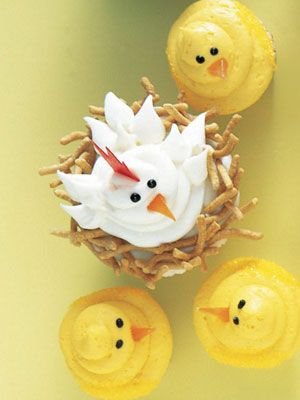 Hens and Chick - see instructions and other unique cupcake decorations at link: http://www.goodhousekeeping.com/recipes/desserts/easy-cupcake-decorating-ideas?click=smart=ist=smart=GHK=http://www.goodhousekeeping.com/recipes/desserts/easy-cupcake-decorating-ideas-SMT-GHK#slide-8