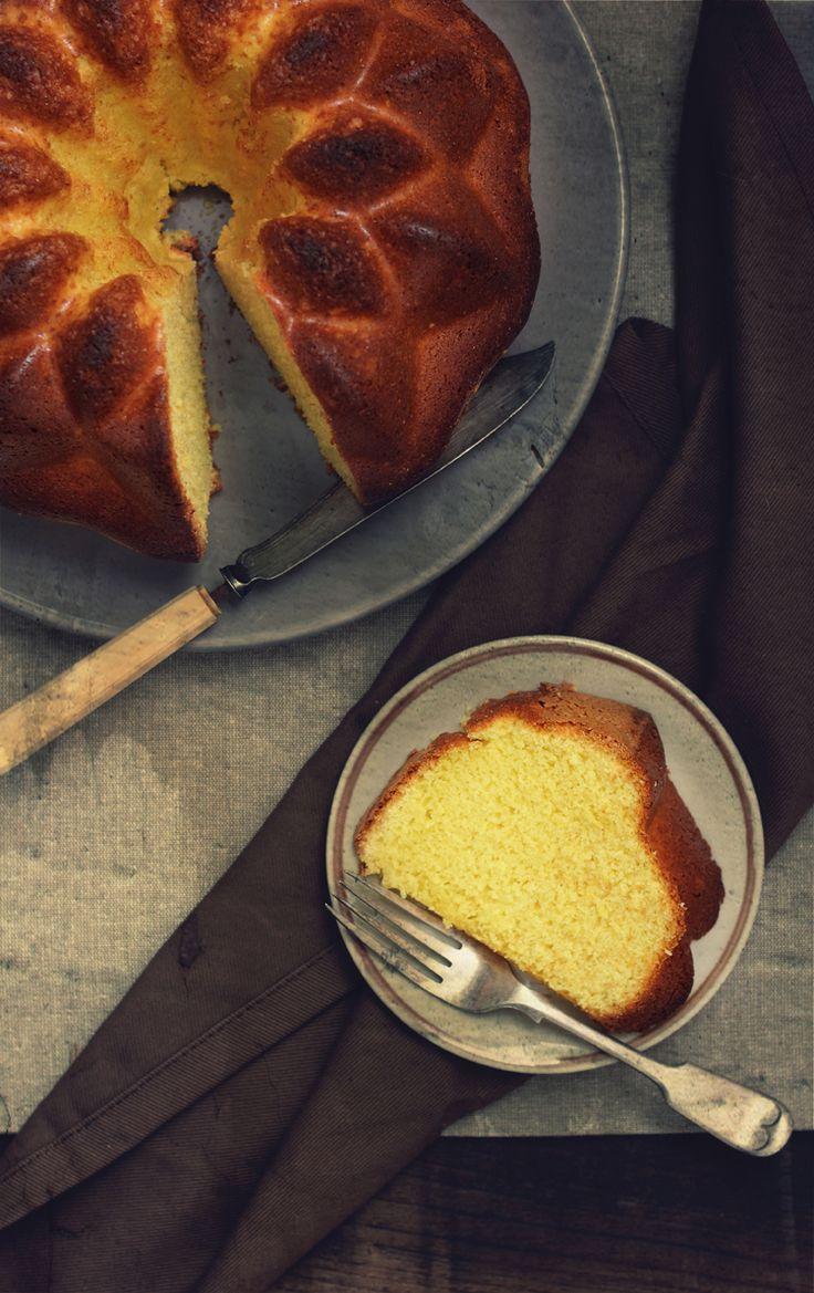 Circulaba por la redacción de la Radio Galega , la receta de un bizcocho, que según cuenta la leyenda es un bizcocho de esos que sabe a bi...