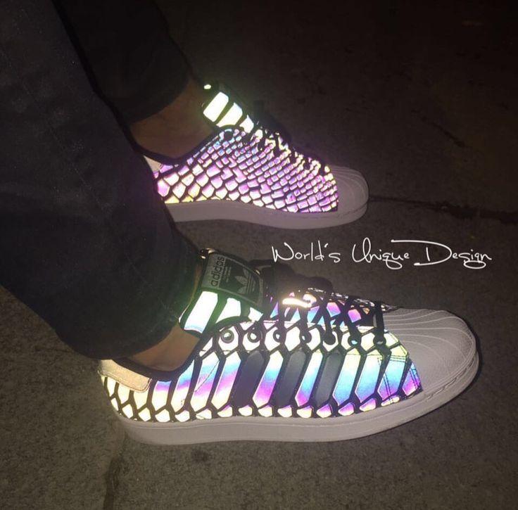 Ciao✋ #worldsuniquedesigns #adidas #adidasoriginals #design #shoe #shoedesign #designer #sneaker #sneakers #snake #snakestyle #loveit #adidassneakers #irland #cool #man #fashion #mansfashion #stylish #mansstyle #likelikelike @adidasoriginals