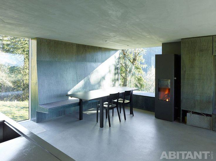 Окна-витрины в минималистском интерьере