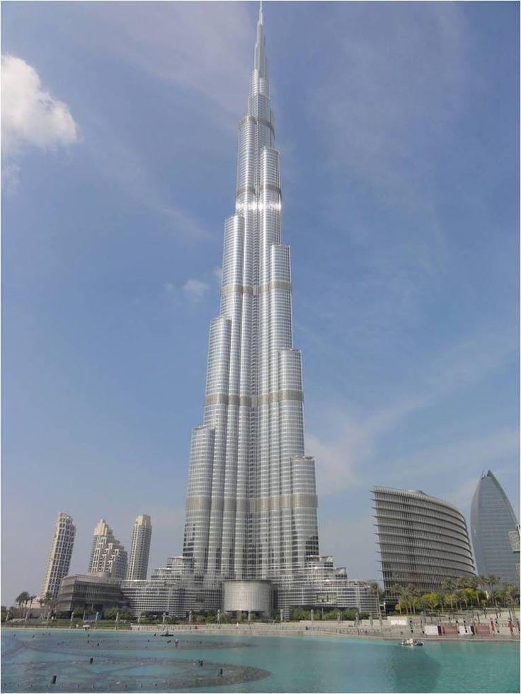 die besten 25 burj khalifa top ideen auf pinterest dubai skyline emirates hotel dubai und in. Black Bedroom Furniture Sets. Home Design Ideas
