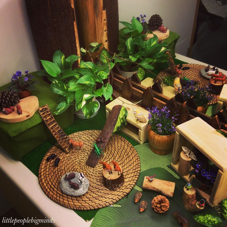 Forest Animals Small World Play - Imaginative play