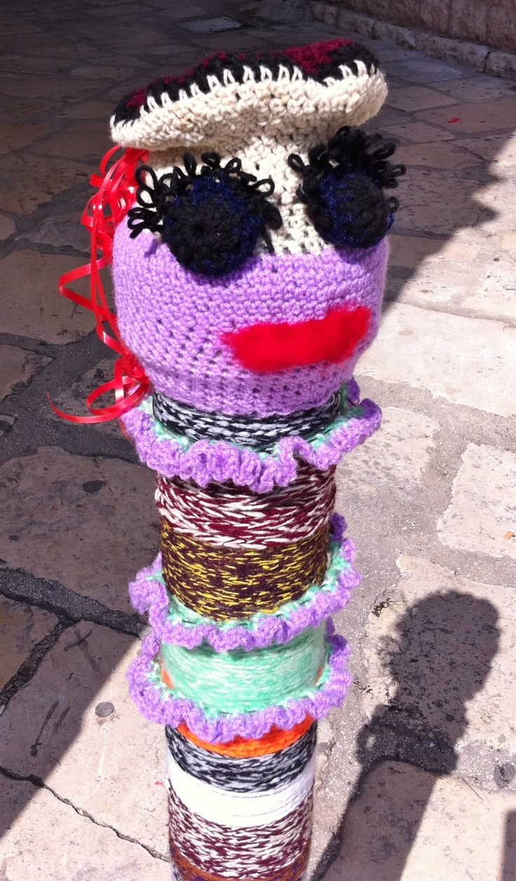 Guerrilla Knitting at StrArte in Giovinazzo, Italy