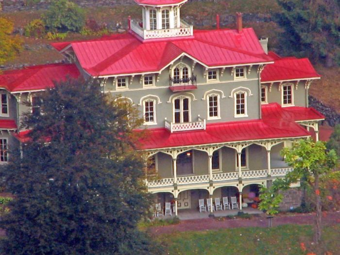 Jim Thorpe, PA : Asa Packer Mansion from Flagstaff Mountain, very close to where I live. Gorgeous at Christmas time!