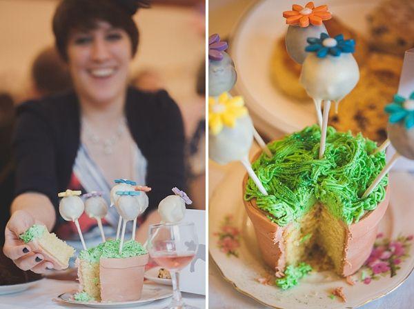 wedding flower cake pops, Photos by Zoe