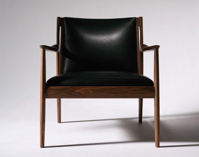 【正規情報】リッツウェル(Ritzwell) CLAUDEシリーズのクロード 1601です。宮本 晋作がデザイン。価格、サイズ、評判は国内最大級の家具・インテリアポータル TABROOM(タブルーム)でチェックください。