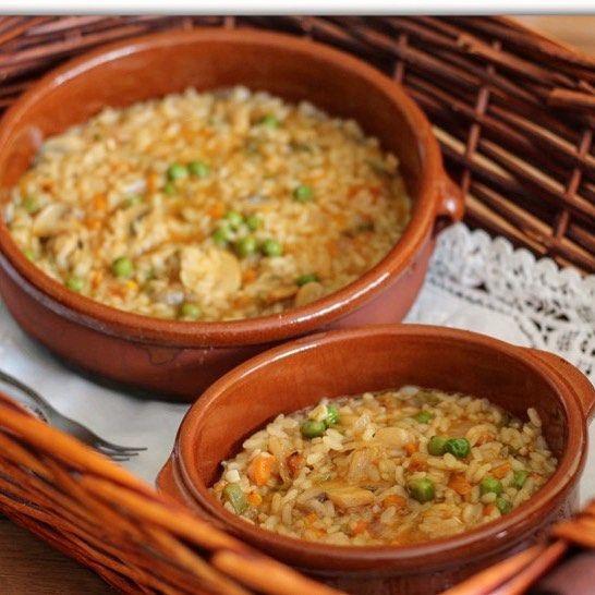 Arroz a lo pobre. De los arroces más sencillos y más ricos. http://ift.tt/2kqelpN La receta en el blog o en el enlace de mi perfil  picando la foto.. #videoreceta #arroz #verduras #vegetariano #vegetarianfood #receta #foodlover #food #gastroblogger #losblogsdemaria #foodblogger #TDSGastro #igerssevilla #top_food_of_instagram  #foofiesgram #foodiesofinstagram #foodielife #foodlove #instafood #foofstyle