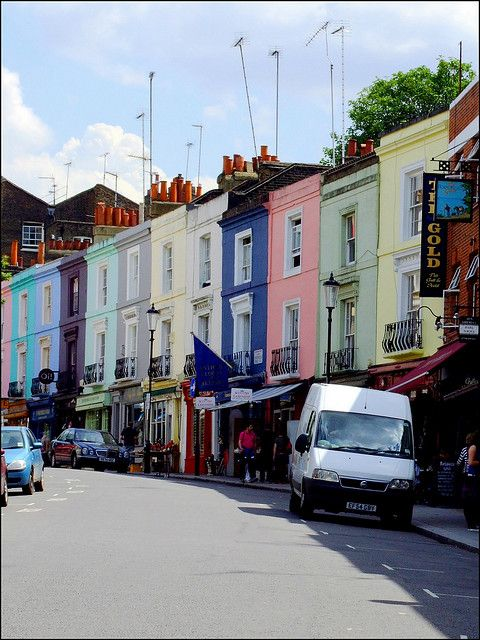 Notting Hill - Portobello Road, London Spent many Saturdays with friends here. My dear Mother, when I was a student there, got me a set of Royal Doulton china from Blancol here.