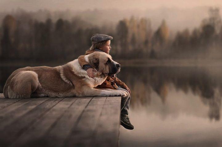 Lindas fotos de crianças e seus animais de estimação