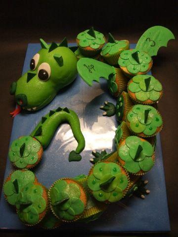 """Cupcake Draak (Pagina 1) - Klein & fijn: Cupcakes, koekjes & los suikerwerk - Het """"DeLeuksteTaarten"""" - forum"""