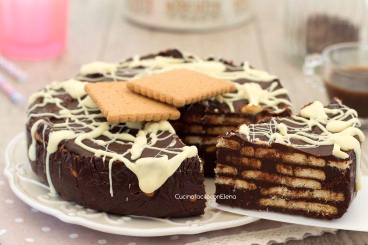 Torta di biscotti e cioccolato fredda senza cottura