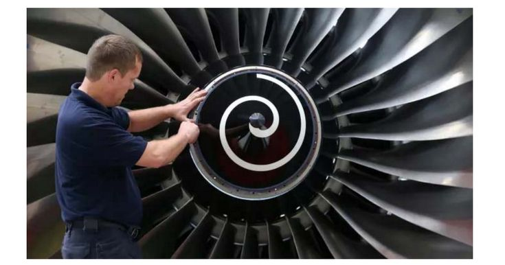Rolls-Royce set to report biggest ever headline loss (but see the part at the end about the new Revenue Recognition Standard).