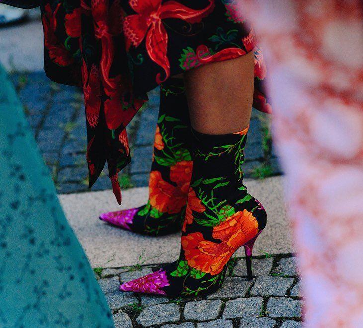 1,268 отметок «Нравится», 7 комментариев — Style Sight WorldWide (@stylesightworldwide) в Instagram: «#copenhagenfashionweek @cphfw   @linelangmo @balenciaga boots  @le21eme @voguerussia #streetstyle…»