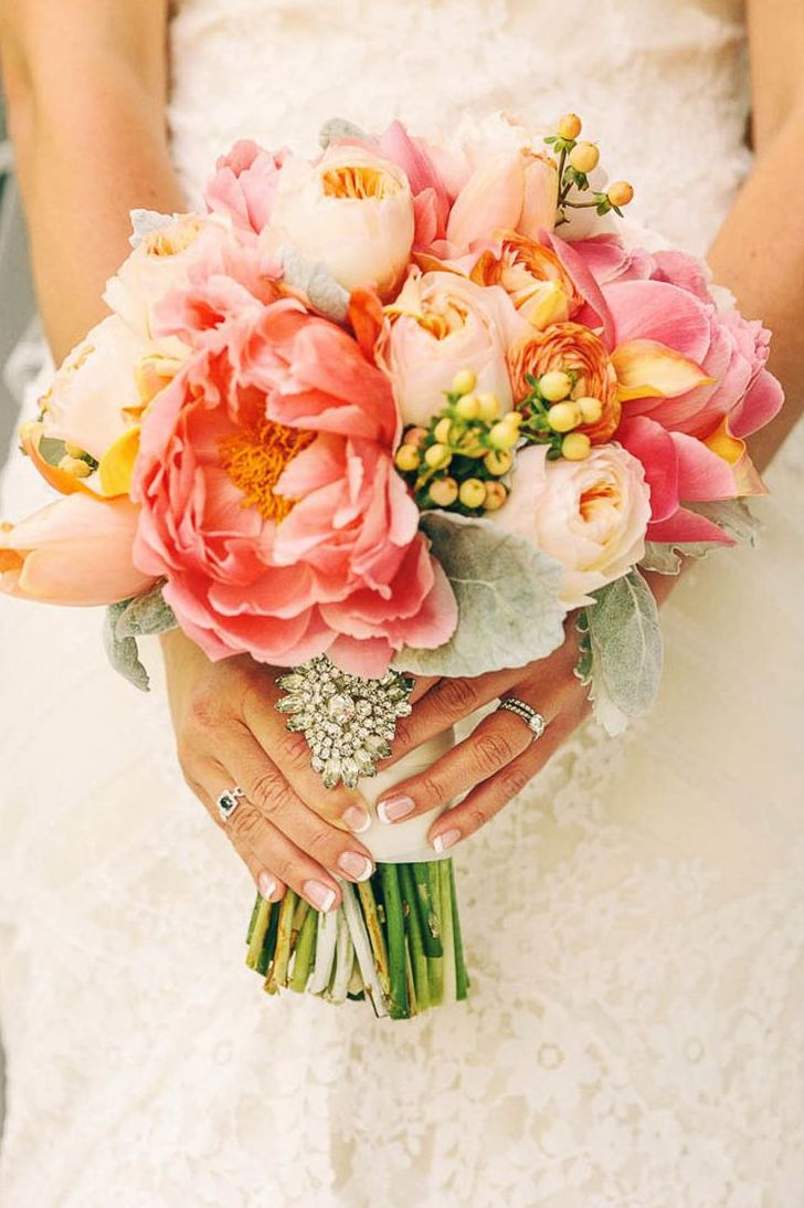 25 swoon worthy spring amp summer wedding bouquets tulle amp chantilly - Beautiful Coral And Yellow Bridal Bouquet
