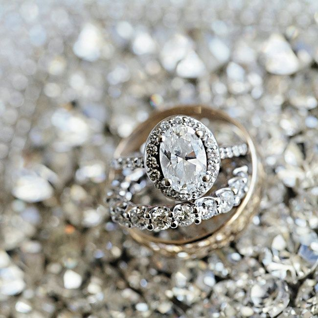 this is it.. i found my dream ring.. I wont look anymore.. its perfect.. oval cut delicate and halo .. non matching band.. yup