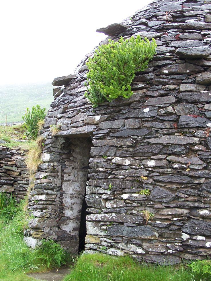 Beehive Huts 2000 BC, Dingle Peninsula, Ireland