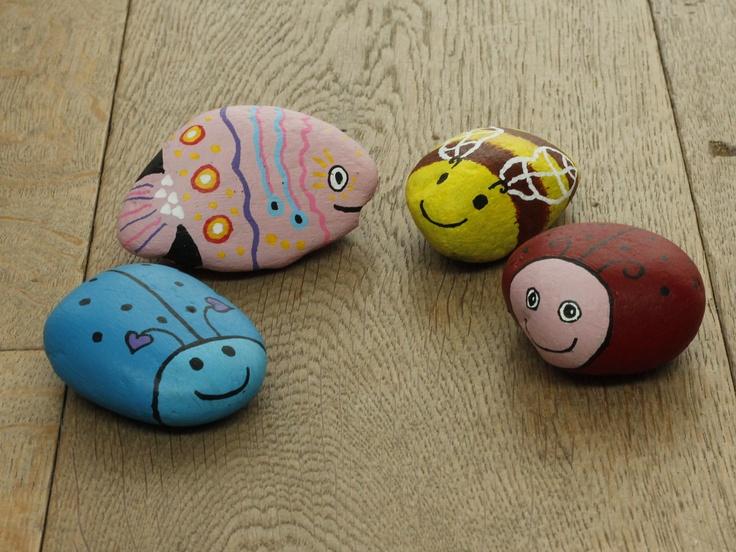 Painted rocks by Atelier de CReakoffer / beschilderde stenen door Atelier de Creakoffer