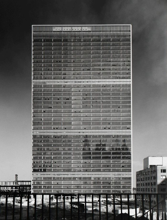 Photographs by Ezra Stoller Title: Rem Koolhaas, Delirious New York