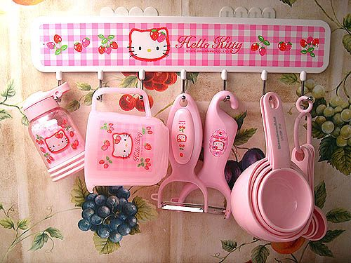 Hello Kitty kitchen utensils