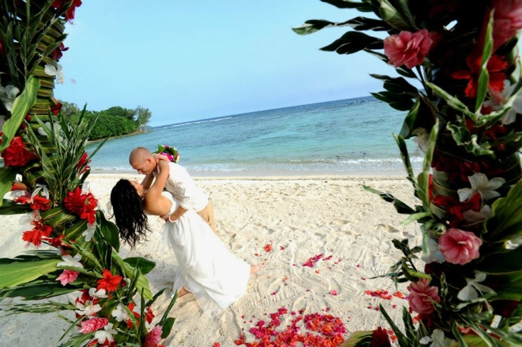 Breakas Beach Resort - adults only re.sort located in Port Vila. Perfect for either a romantic getaway or large traditional wedding