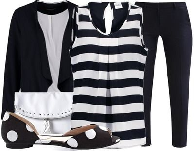 Faites-le craquer avec cette jolie tenue bleu foncé et blanche. Pour celles qui préfèrent un rendez-vous romantique plutôt décontracté. Cliquez ici pour plus de détails:  http://www.stylefru.it/s403105 #rendezvous #romantique #decontracte #tenue