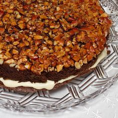 Opp-ned kake (upside down cake) - quite possibly the best nut cake ever.  Photo from mormorsbeste.com