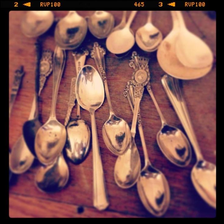 many spoons