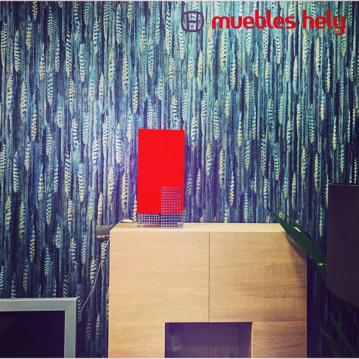 Nueva pared de papel, plumas verticales. #muebleshely