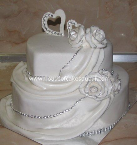 Heart shaped wedding cake ~ ♥♥♥♥