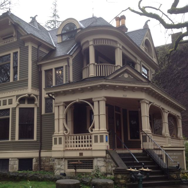 25+ Best Ideas About Queen Anne Houses On Pinterest