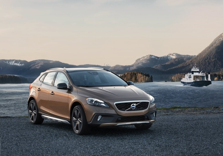 The Volvo V40 Cross Country Offers A More U0027off Roadu0027 Look In A Small