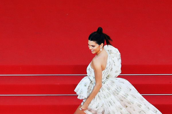 "Kendall Jenner Photos Photos - Kendall Jenner attends the ""120 Beats Per Minute (120 Battements Par Minute)"" screening during the 70th annual Cannes Film Festival at Palais des Festivals on May 20, 2017 in Cannes, France. - '120 Beats Per Minute (120 Battements Par Minute)' Red Carpet Arrivals - The 70th Annual Cannes Film Festival"