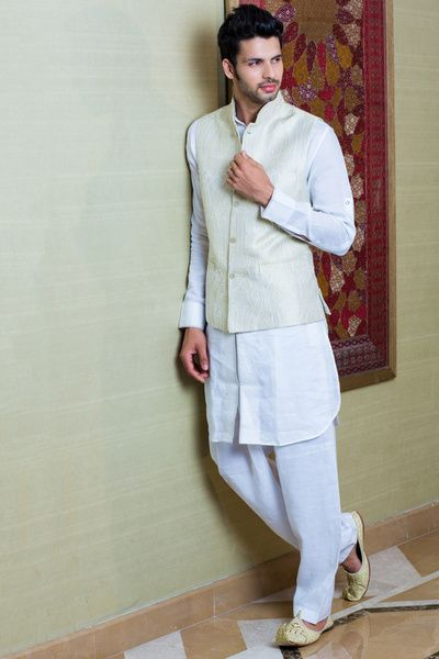 Ideas For Groom Wear Decide What To Sherwani Or Wedding Suit