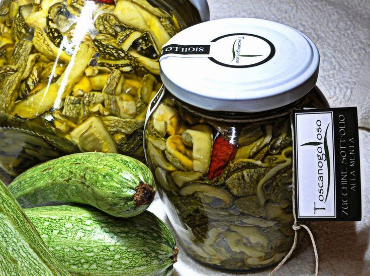 Pronti per un lungo inverno? Gusti di Toscana propone una scorta di croccanti zucchine, tagliate a sottili listarelle scottate in aceto e vino bianco, conservate sott'olio con aggiunta di foglie di menta. Buonissime! http://bit.ly/1FiBwFP #zucchine #madeinitaly #Toscana #madeintuscany #menta