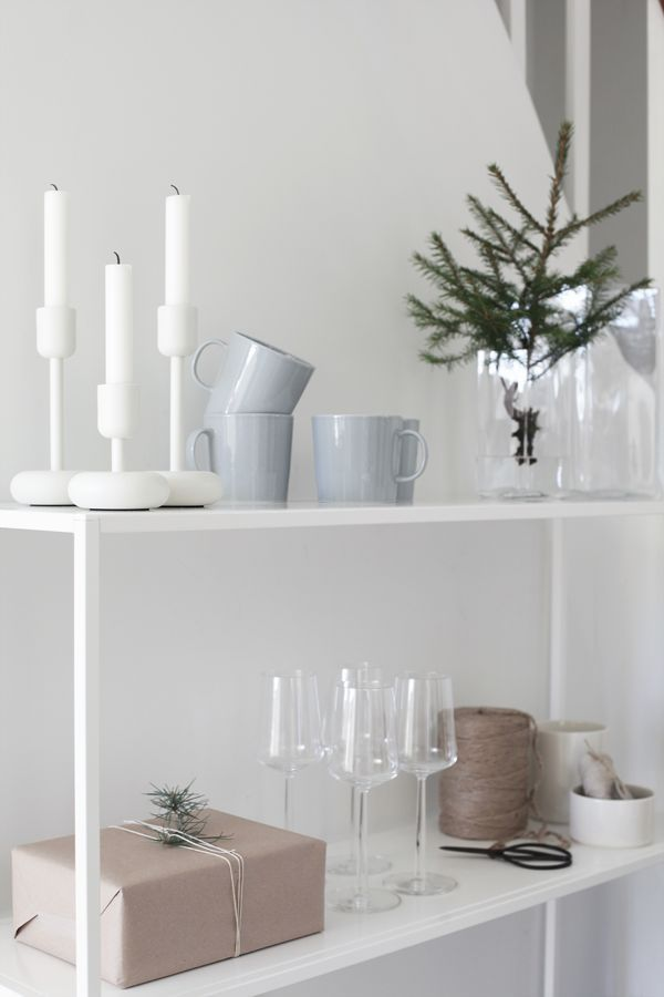 http://www.aitonordic.it/collections/iittala/products/essence-white-wine-glasses-iittala http://www.aitonordic.it/collections/portacandele-lanterne/products/nappula-portacandela-di-iittala-finlandia http://www.aitonordic.it/products/teema-mug-iittala