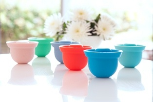 Ideal for baby food and toddler snacks.  You will love using these AdoraBOWLS in all stages of your baby's meal preparation.  Safe in the: fridge/freezer, microwave/oven (up to 240C), dishwasher.   Comes in 6 desirable shades of pinks, blues and greens. www.weanmeister.com.au