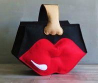 Zwarte Tas met Rode Lippen / ( Bag Black with Red Lips)