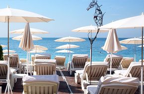Beau Rivage Plage (plage privée) 107 Quai des États-Unis plagebeaurivage.com